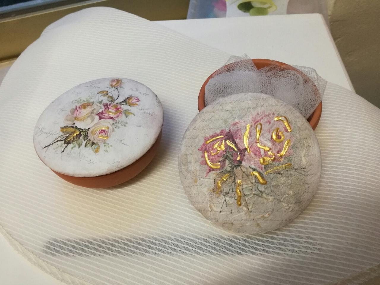Ντεκουπάζ μπιζουτιέρα με φοράλ-λουλούδια μπομπονιέρα γάμου-βάπτισης