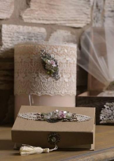 Vintage μπομπονιέρα γάμου με cameo στόλισμα σε κασετίνα κραφτ