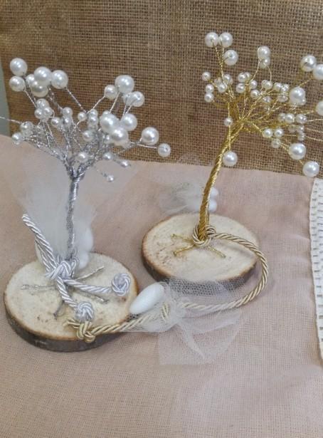 Δένδρο της ζωής του γάμου μπομπονιέρα σε κορμό δένδρου με πέρλες