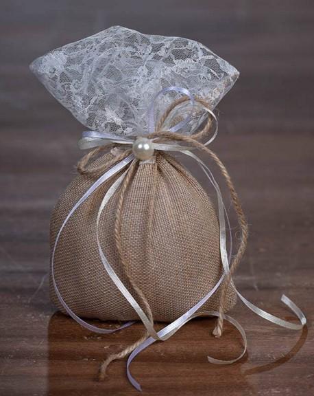 Μπομπονιέρα γάμου πουγκί δαντέλα-λινάτσα με πέρλα