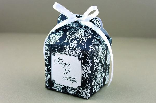 Μπομπονιέρα γάμου κουτί ρετρό σχέδιο λαχούρι δαντέλα σε σχήμα κύβου