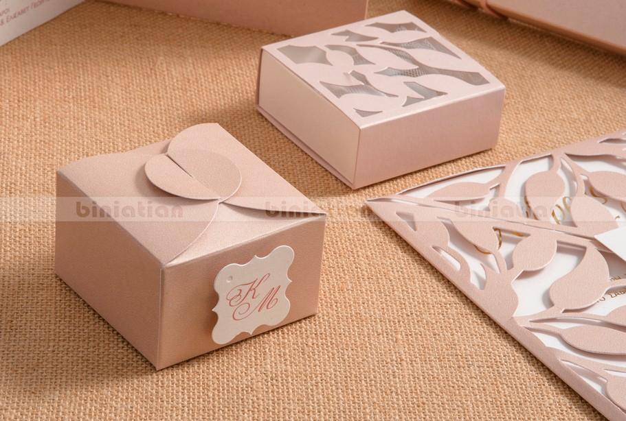 Κουτί μπομπονιέρα γάμου laser-cut με ελιά και κουτί λουλούδι