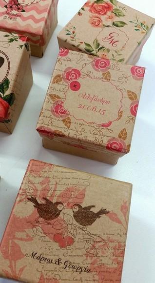 Vintage μπομπονιέρα γάμου φλοράλ σχέδιο σε κουτί με οικολογικό χαρτί