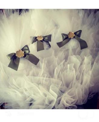 Μπομπονιέρα γάμου τούλινη με λουλούδι-μαργαρίτα μεταλλική ορείχαλκος