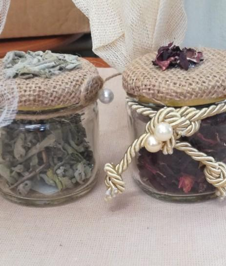 Μπομπονιέρες γάμου βαζάκια με αποξηραμένα φυτά
