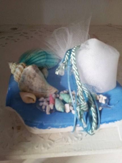 Μπομπονιέρα γάμου με κοχύλια και αχοιβάδα σε πέτρα-βότσαλο