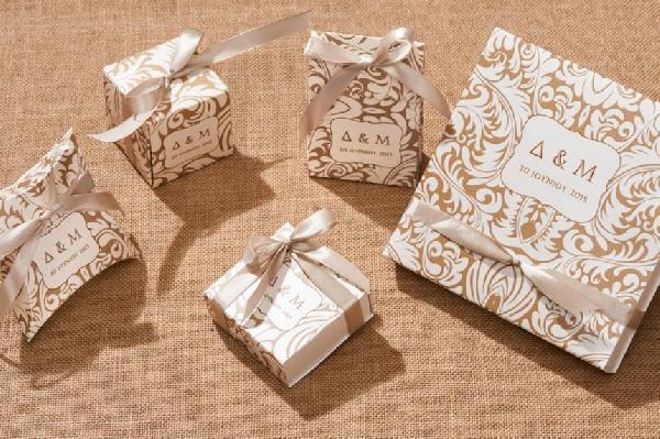 Vintage μπομπονιέρες γάμου διάφορα κουτιά σετ με πρόσκληση κουτί