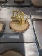 Κορμός ξύλου με σπιτάκι δένδρο-ζωής-καρδιά μεταλλικό