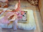Φλοράλ θέμα σε σαπουνάκι με πετσέτα
