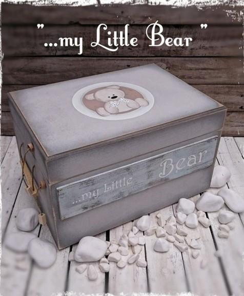 Ιδιαίτερο κουτί για βαπτιστικά ρούχα ρετρό με θέμα αρκουδάκι