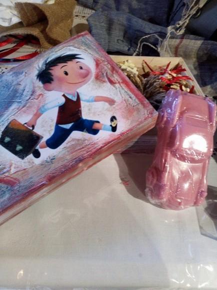 Κουτί για μαρτυρικά με τον Μικρό Νικόλα σε ντεκουπάζ στο χέρι όλο