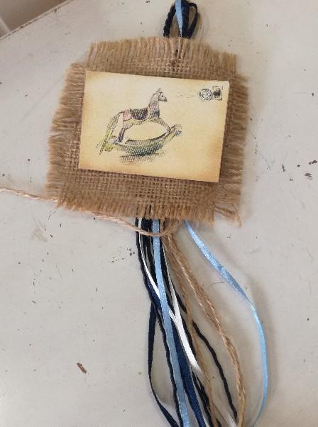 βάπτισης μπομπονιέρα καδράκι ξύλινο αλογάκι-καρουσέλ