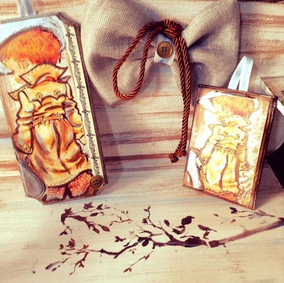Βάπτισης μπομπονιέρα καδράκι ξύλου με αγοράκια ρετρό εποχής
