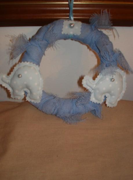 Ελεφαντάκι σε στεφανάκι πάνινο-μαξιλαράκι για μπομπονιέρα βάπτισης