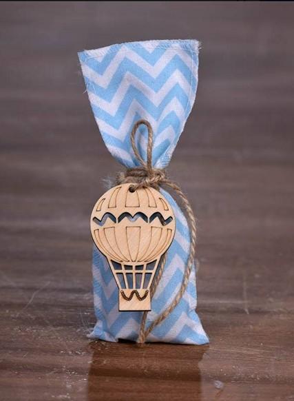 Αερόστατο σε ριγέ καραφάκι πουγκί μπομπονιέρα βάπτισης