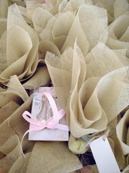 Μπομπονιέρα βάπτισης σαπουνάκι με παπουτσάκια-πουέντ μπαλαρίνας