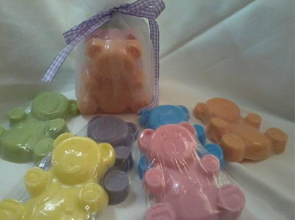 Σαπουνάκι βάπτισης μπομπονιέρα με θέμα αρκουδάκι σε χρώματα