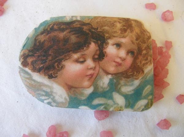 Σαπουνάκι βάπτισης μπομπονιέρα με αγγελάκια κοριτσάκι και αγοράκι.