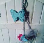 Κρεμαστή στο χέρι πεταλούδα-μαργαρίτα κεραμικές