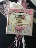 Cup-cakes σε καμβά-καδράκι