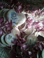 Η Sarah Kay σε καρδιά πορσελάνης καδράκι