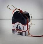 Πρωτότυπο κουτί κύβος σε μπομπονιέρα με θέμα καράβι