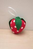 Φράουλα σε μαξιλαράκι μπομπονιέρα