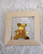 Αρκουδάκι μεταλλικό σε ξύλινο καδράκι